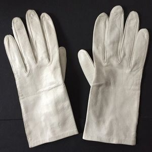 Pale Gray Vintage Soft Leather Gloves by Fownes 7